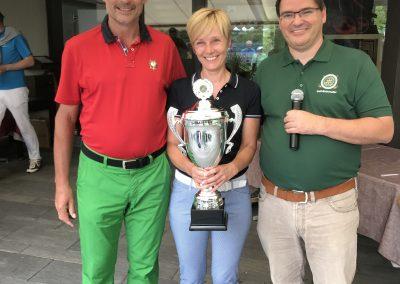 Siegerin des Gert Findt-Preis (Rotarier/-in mit den meisten Netto-Punkten) Susanne Frey mit den Vorstandsmitgliedern Wolfram Benesch, Thomas Hasak