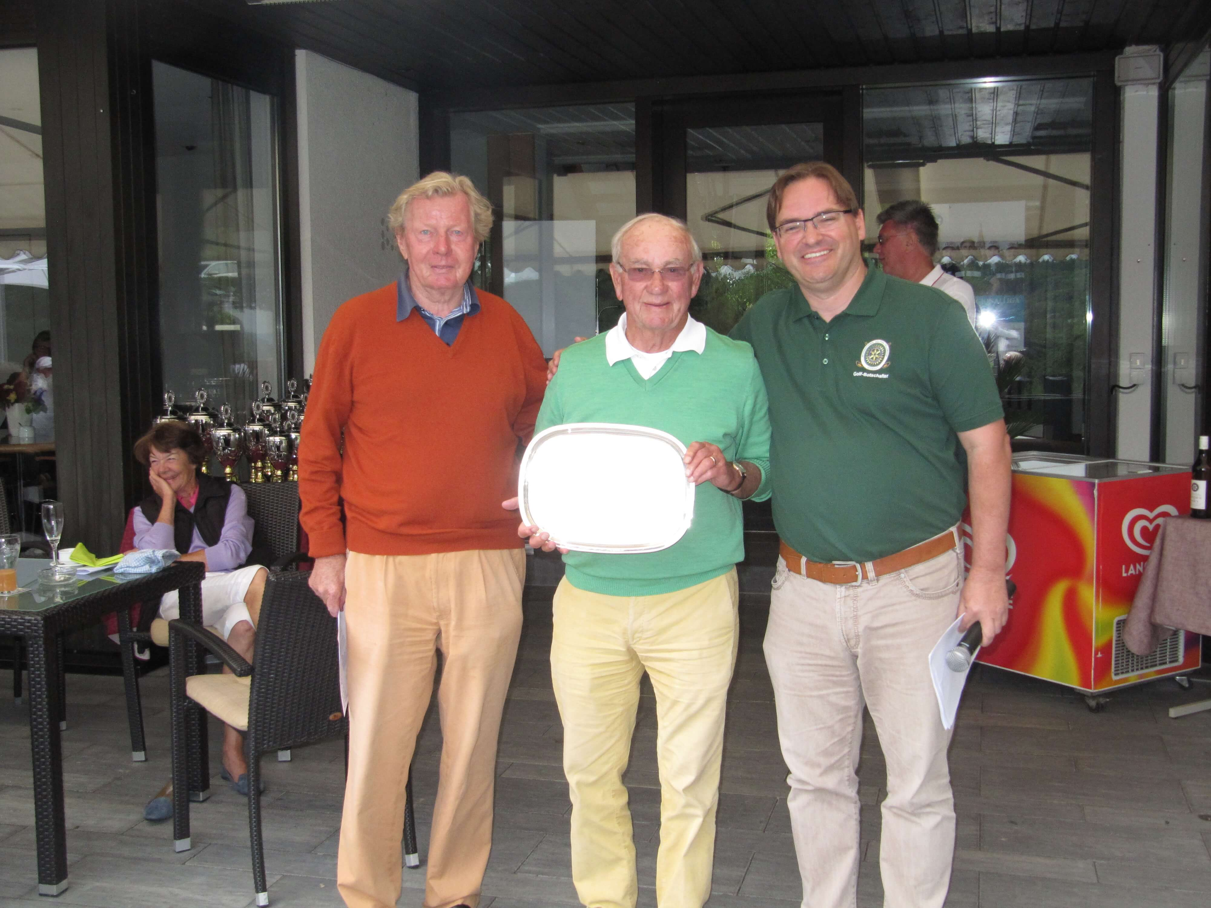 Sonderwertung Hermann Lindhorst Preis v.l.n.r. Hermann Lindhorst, Sieger Hartmut Strecker, VV Thomas Hasak